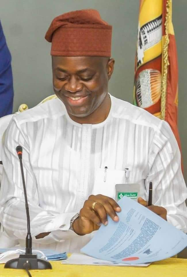 Excitement As Makinde Reinstates 41 LAUTECH Workers With Payment Of 5months Outstanding Salaries