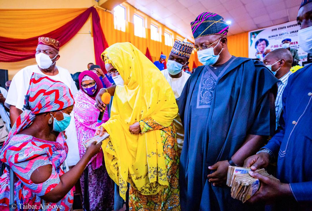 FG Sends Relief Materials To Victims Of Shaha Mayhem, Flags off Rural Women Cash Grant in Oyo