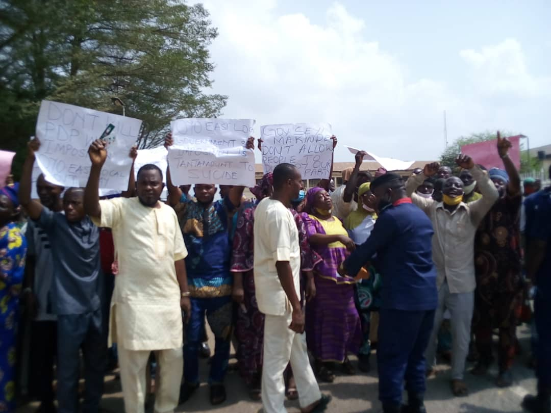 BREAKING: Protest Rocks Oyo Governor's Office As PDP Members Demand For Primary Elections