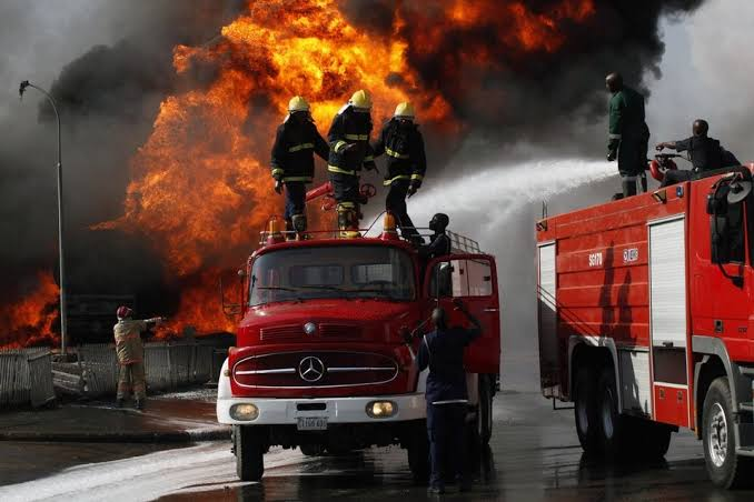 BREAKING: Fire Guts Nigerian Army Headquarters